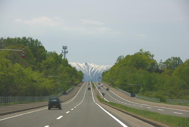 国道38号は、北海道の東西をつなぐ大動脈道路です。芽室町東芽室付近は多... 国道38号/芽室町